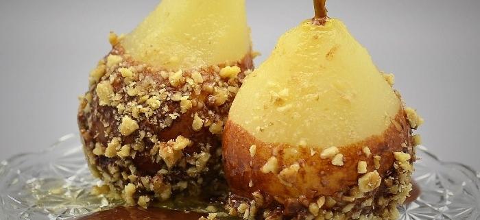 scuola di cucina parola al cibo Pere cotte con salsa al cioccolato